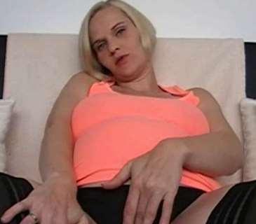 Die geile schwangere Schlampe